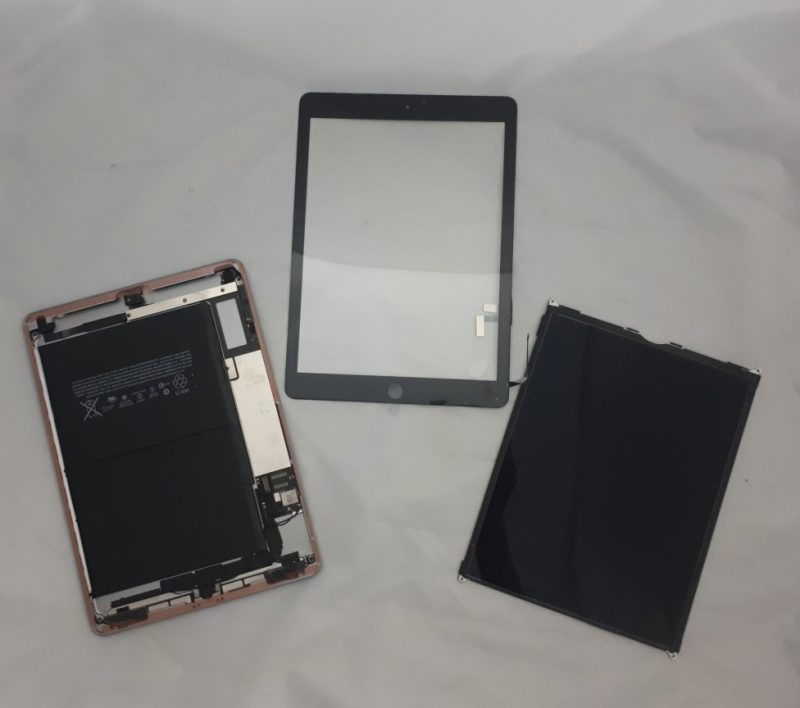 iPad Air Touchscreen / Digitiser Replacement